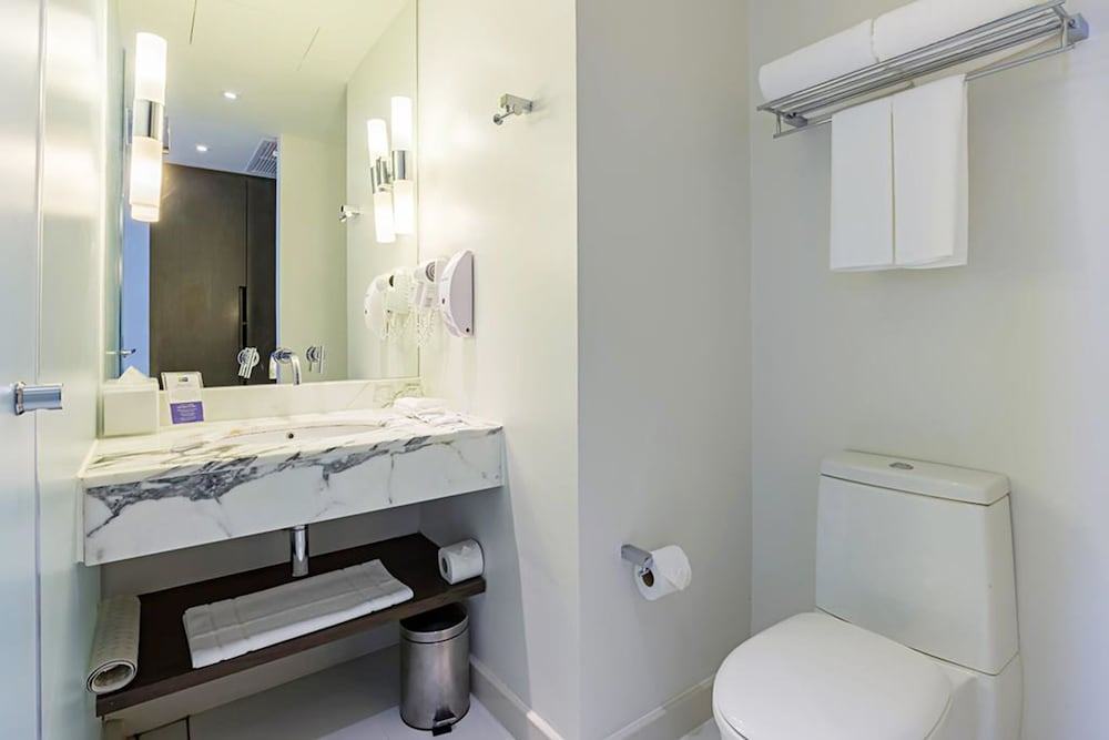 홀리데이 인 익스프레스 방콕 시암(Holiday Inn Express Bangkok Siam) Hotel Image 11 - Bathroom