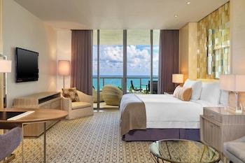 Deluxe Room, 1 King Bed, Non Smoking, Ocean View