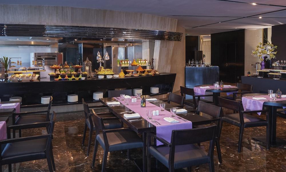 더 캔버스 호텔 두바이 엠갤러리 바이 소피텔(The Canvas Hotel Dubai MGallery By Sofitel) Hotel Image 52 - Breakfast Meal