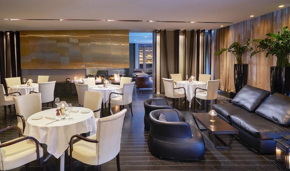 더 캔버스 호텔 두바이 엠갤러리 바이 소피텔(The Canvas Hotel Dubai MGallery By Sofitel) Hotel Image 54 - Hotel Bar