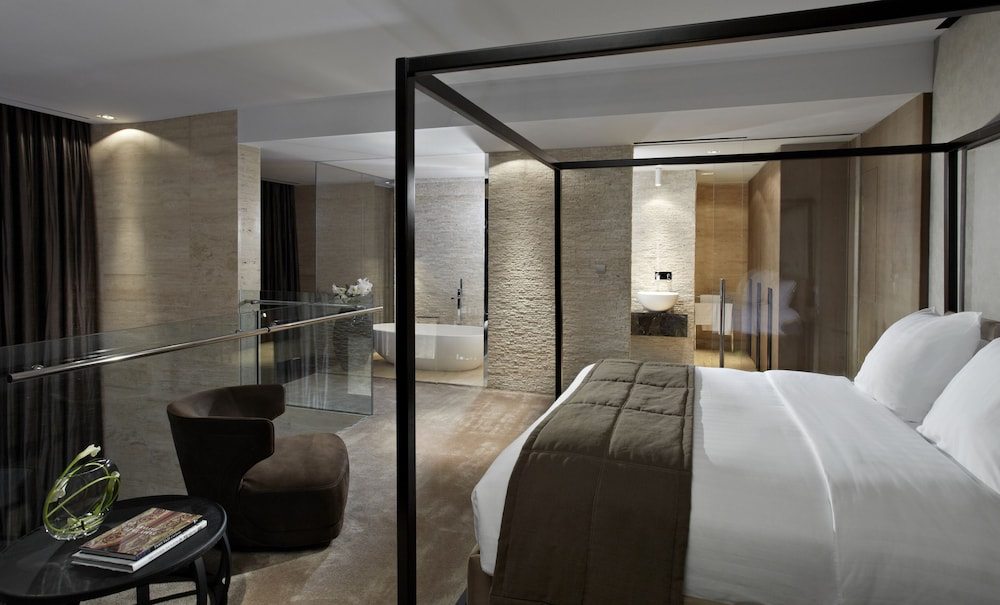 더 캔버스 호텔 두바이 엠갤러리 바이 소피텔(The Canvas Hotel Dubai MGallery By Sofitel) Hotel Image 16 - Guestroom