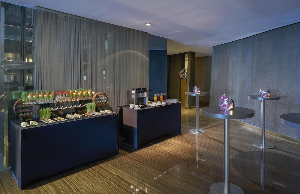 더 캔버스 호텔 두바이 엠갤러리 바이 소피텔(The Canvas Hotel Dubai MGallery By Sofitel) Hotel Image 55 - Hotel Bar