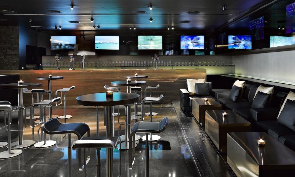 더 캔버스 호텔 두바이 엠갤러리 바이 소피텔(The Canvas Hotel Dubai MGallery By Sofitel) Hotel Image 53 - Hotel Bar