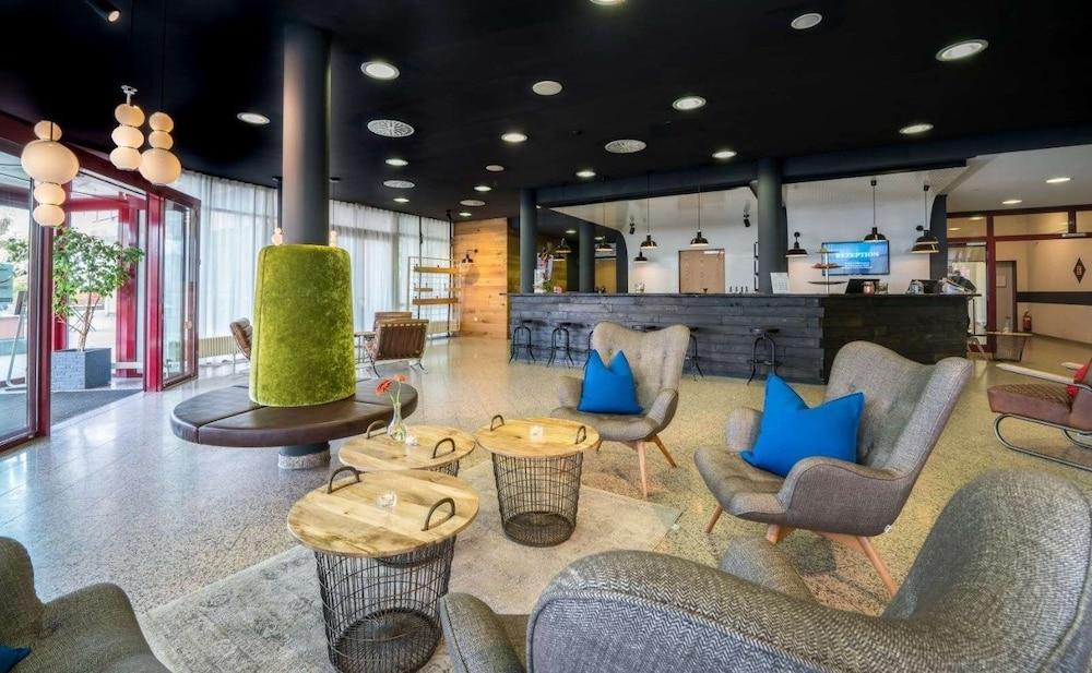 베스트 웨스턴 로프트스타일 호텔 슈비브에어딩엔(Best Western loftstyle Hotel Schwieberdingen) Hotel Image 1 - Lobby