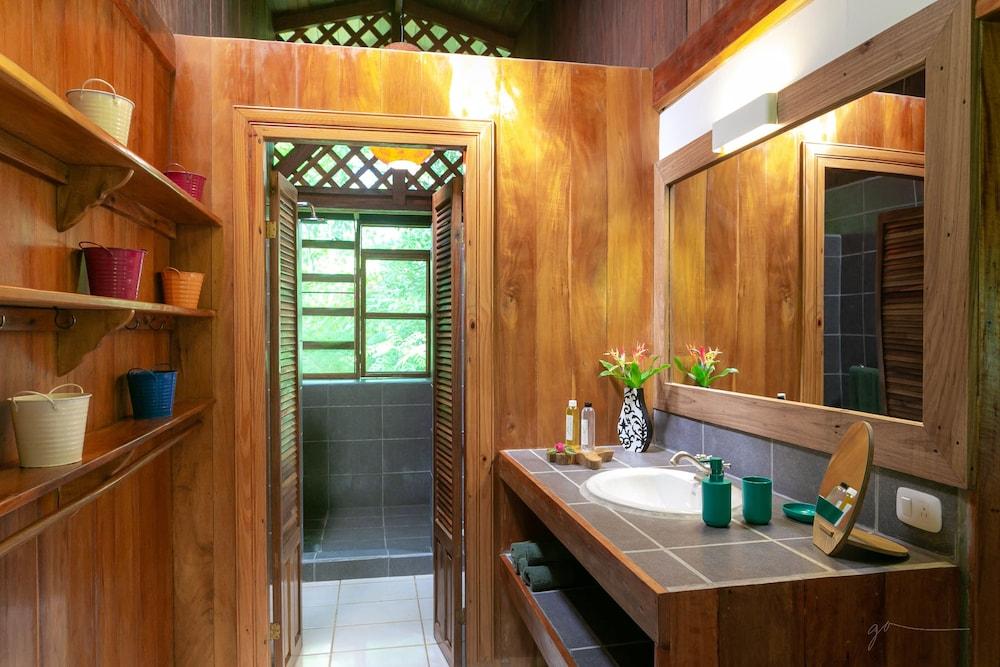 라 쿠쿨라 로지(La Kukula Lodge) Hotel Image 36 - Bathroom