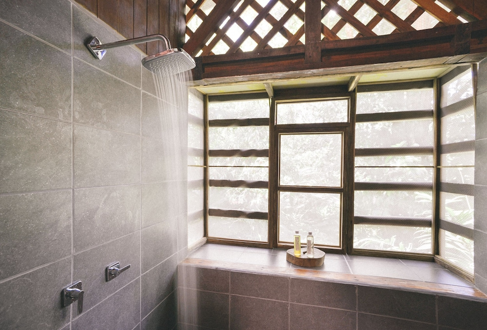 라 쿠쿨라 로지(La Kukula Lodge) Hotel Image 42 - Bathroom Shower