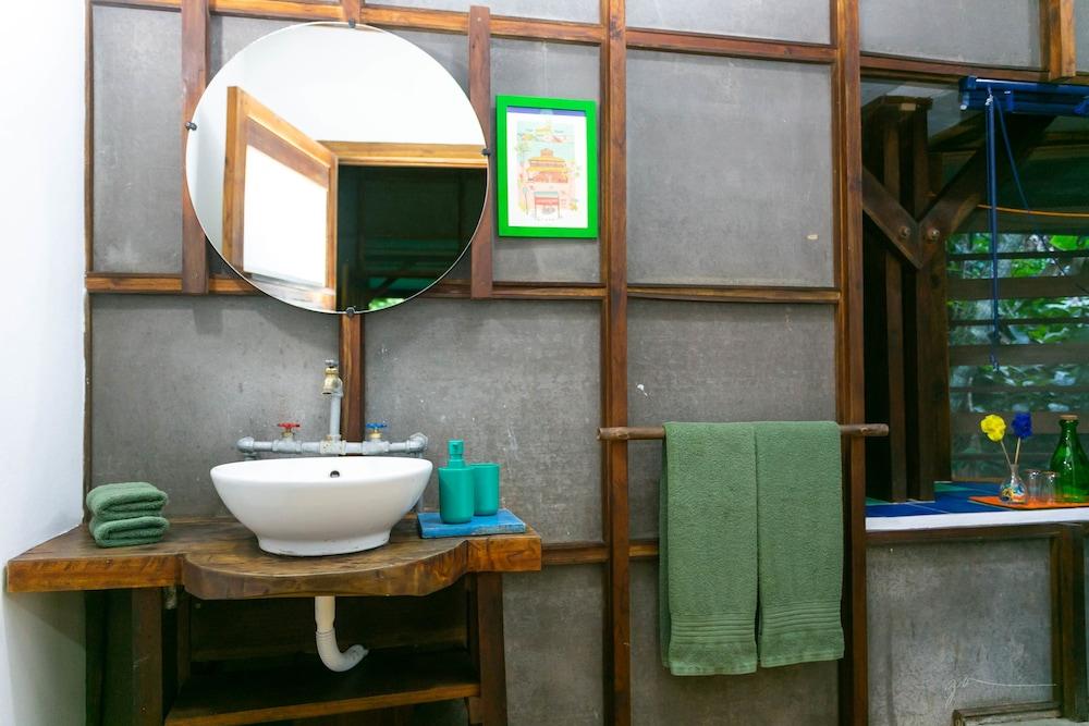 라 쿠쿨라 로지(La Kukula Lodge) Hotel Image 39 - Bathroom