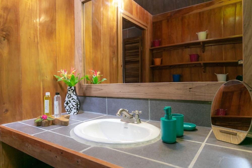 라 쿠쿨라 로지(La Kukula Lodge) Hotel Image 41 - Bathroom