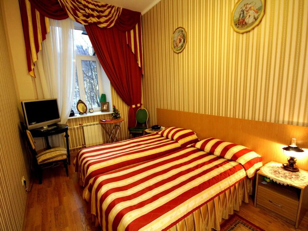 아트-하우스 호텔(Art-House Hotel) Hotel Image 3 - Guestroom