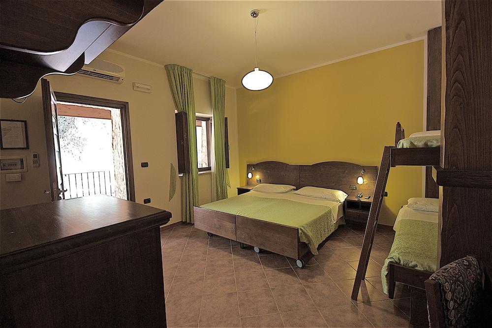 호텔 마세리아 레 파야레(Hotel Masseria Resort Le Pajare) Hotel Image 47 - Guestroom