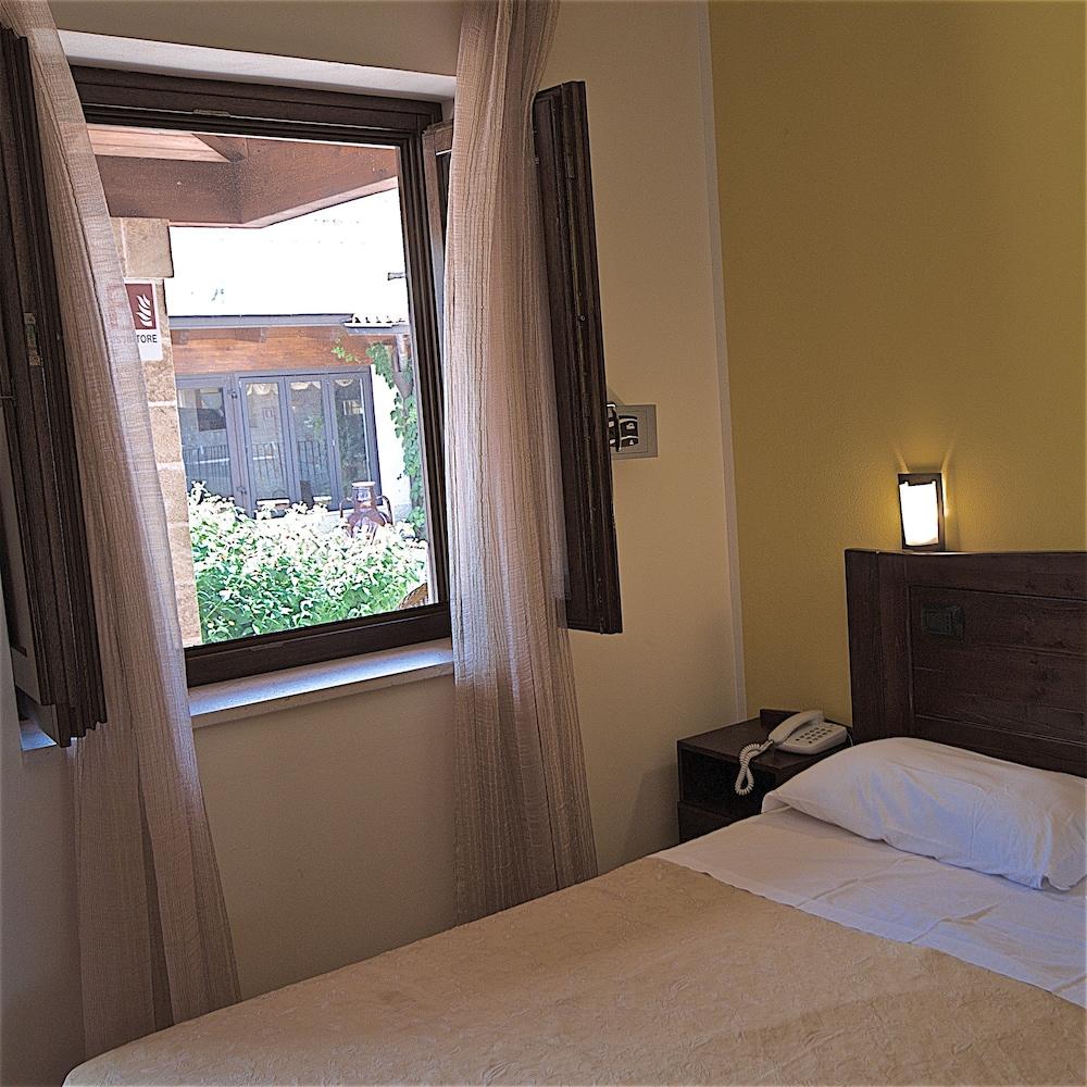 호텔 마세리아 레 파야레(Hotel Masseria Resort Le Pajare) Hotel Image 75 - Guestroom View