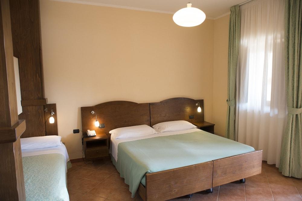 호텔 마세리아 레 파야레(Hotel Masseria Resort Le Pajare) Hotel Image 33 - Guestroom