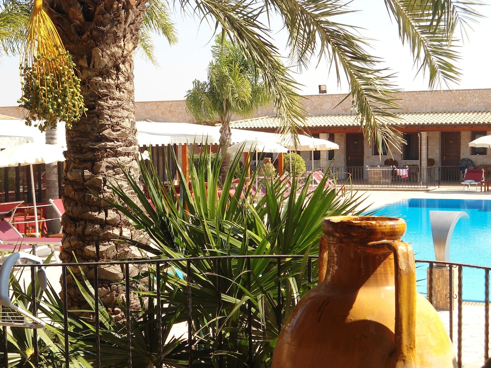 호텔 마세리아 레 파야레(Hotel Masseria Resort Le Pajare) Hotel Image 168 - Exterior detail