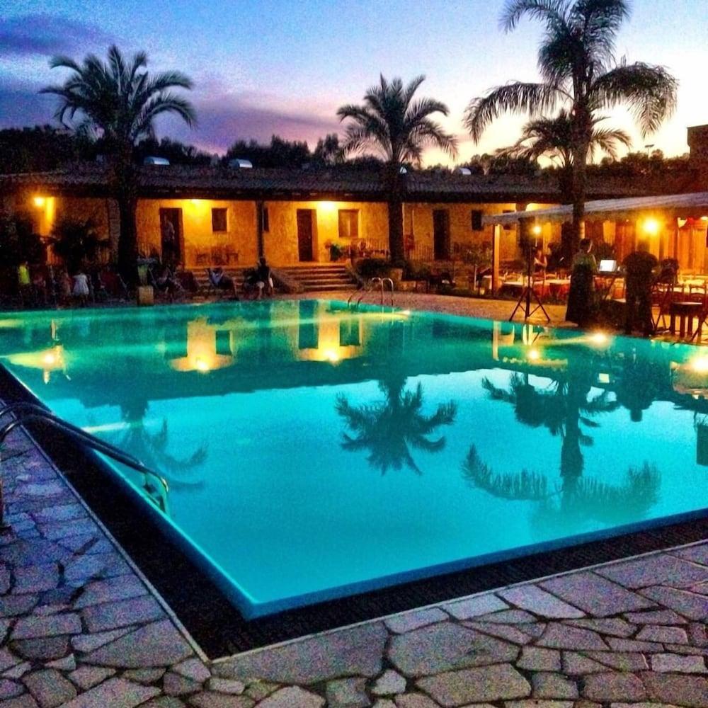 호텔 마세리아 레 파야레(Hotel Masseria Resort Le Pajare) Hotel Image 117 - Rooftop Pool