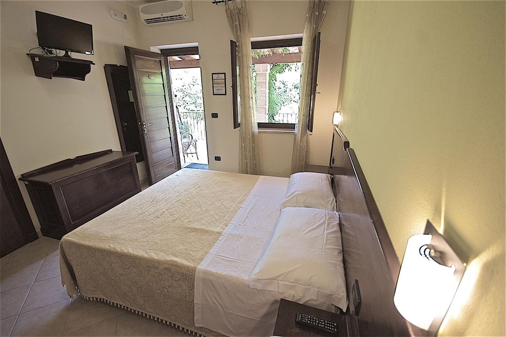 호텔 마세리아 레 파야레(Hotel Masseria Resort Le Pajare) Hotel Image 0 - Featured Image