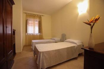 호텔 마세리아 레 파야레(Hotel Masseria Resort Le Pajare) Hotel Image 38 - Guestroom