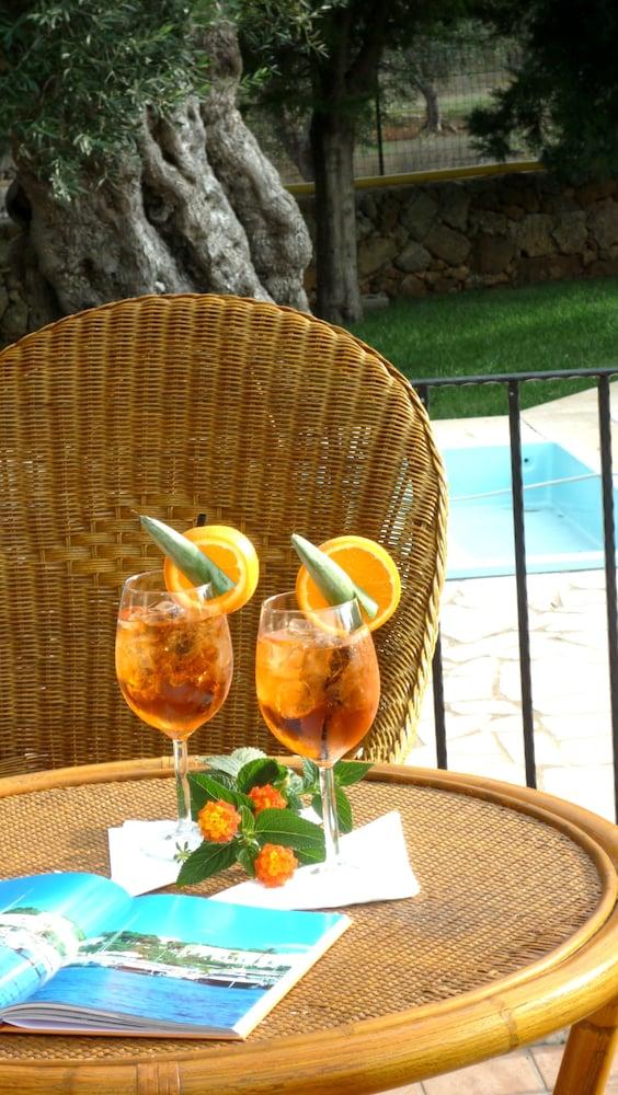 호텔 마세리아 레 파야레(Hotel Masseria Resort Le Pajare) Hotel Image 147 - Poolside Bar