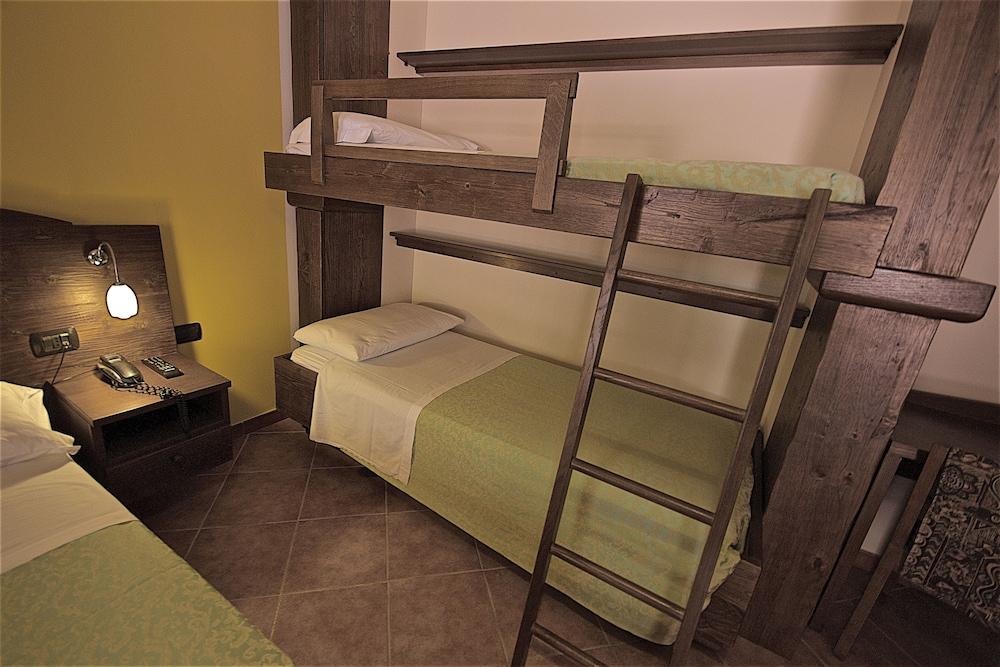 호텔 마세리아 레 파야레(Hotel Masseria Resort Le Pajare) Hotel Image 56 - Guestroom