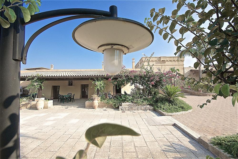 호텔 마세리아 레 파야레(Hotel Masseria Resort Le Pajare) Hotel Image 19 - Interior Entrance