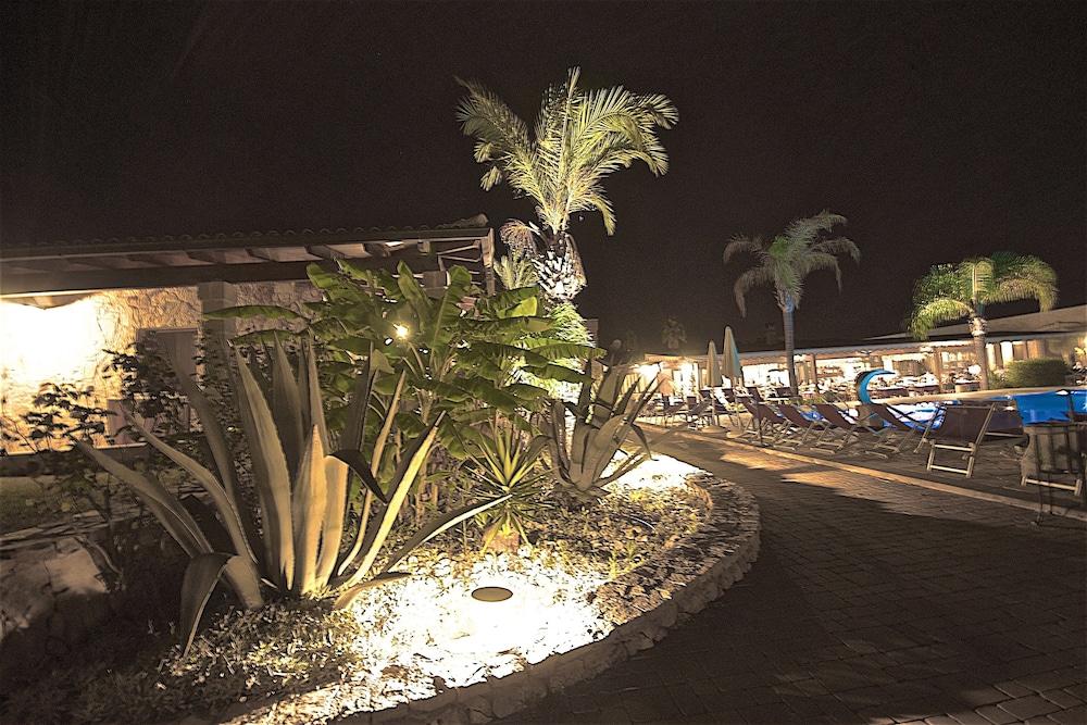 호텔 마세리아 레 파야레(Hotel Masseria Resort Le Pajare) Hotel Image 13 - Pool