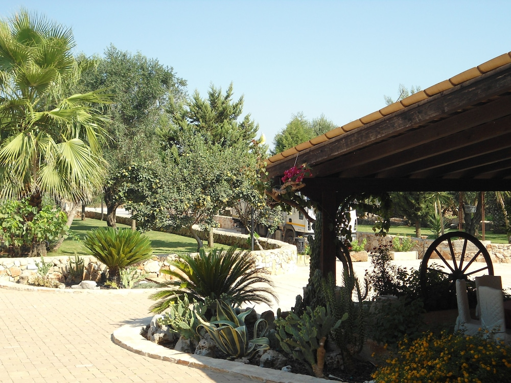 호텔 마세리아 레 파야레(Hotel Masseria Resort Le Pajare) Hotel Image 170 - Exterior detail