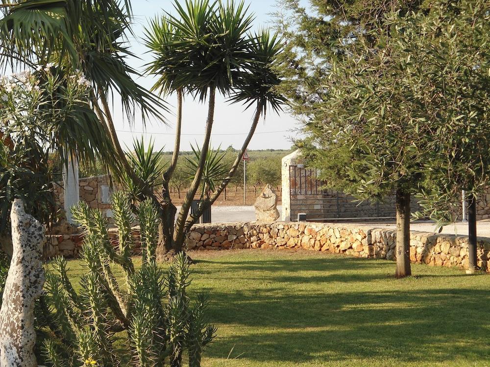 호텔 마세리아 레 파야레(Hotel Masseria Resort Le Pajare) Hotel Image 152 - Garden
