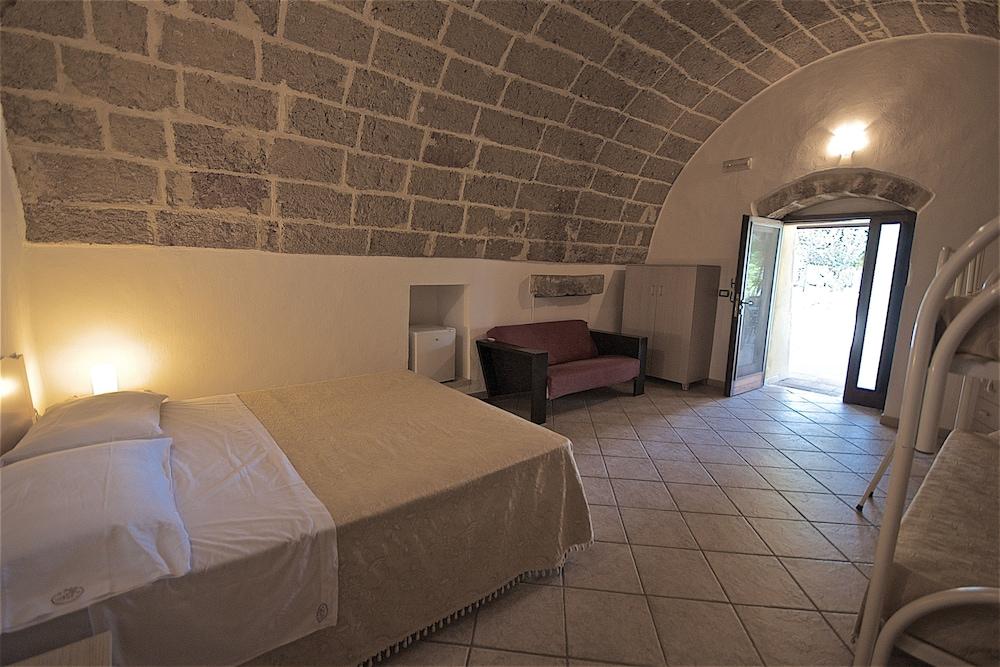 호텔 마세리아 레 파야레(Hotel Masseria Resort Le Pajare) Hotel Image 58 - Guestroom