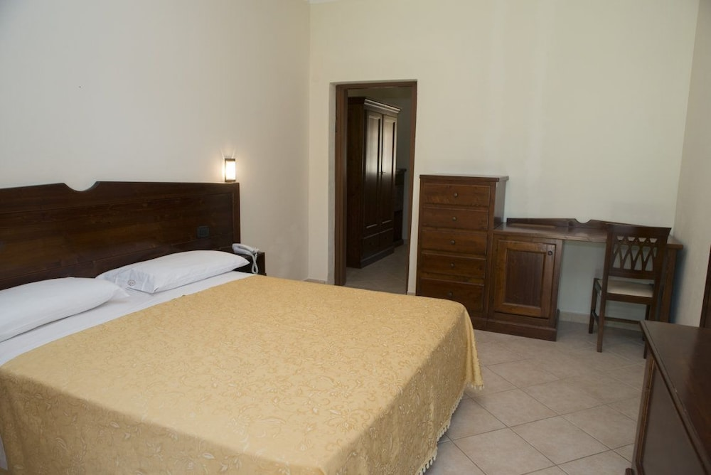 호텔 마세리아 레 파야레(Hotel Masseria Resort Le Pajare) Hotel Image 41 - Guestroom