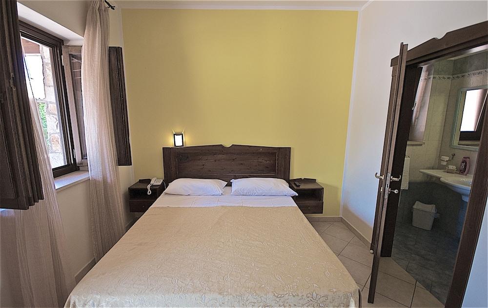 호텔 마세리아 레 파야레(Hotel Masseria Resort Le Pajare) Hotel Image 60 - Guestroom