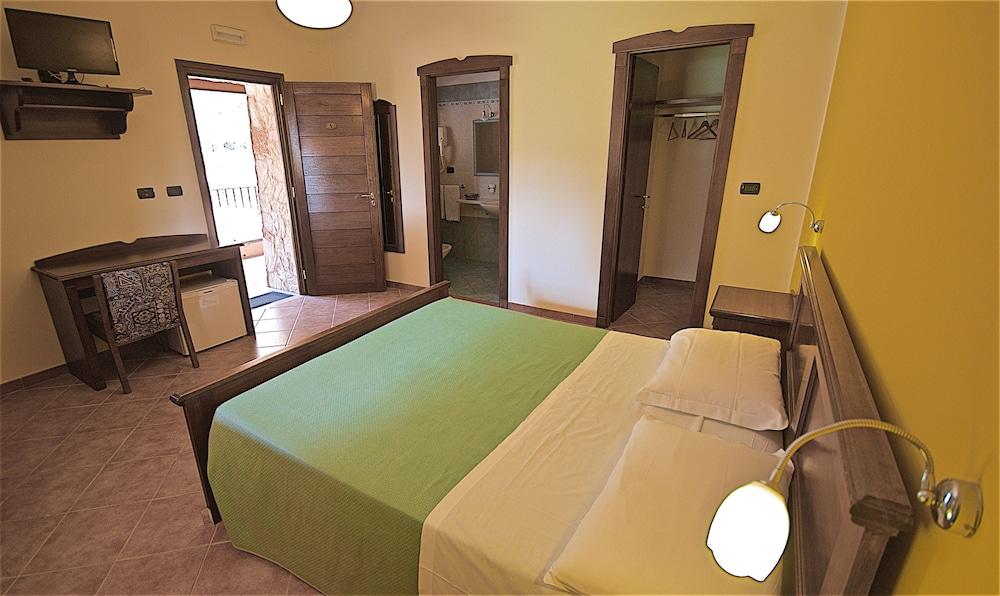 호텔 마세리아 레 파야레(Hotel Masseria Resort Le Pajare) Hotel Image 61 - Guestroom