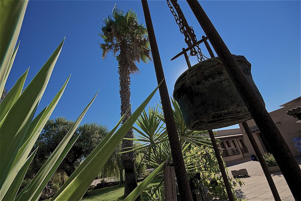 호텔 마세리아 레 파야레(Hotel Masseria Resort Le Pajare) Hotel Image 22 - Interior Entrance