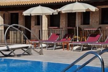 호텔 마세리아 레 파야레(Hotel Masseria Resort Le Pajare) Hotel Image 111 - Outdoor Pool