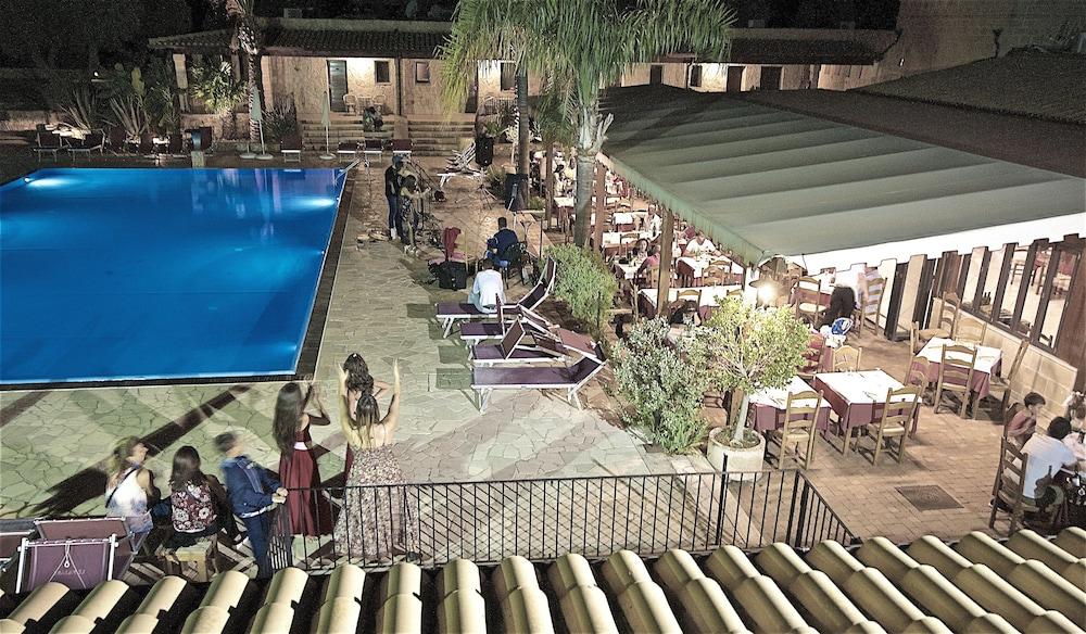 호텔 마세리아 레 파야레(Hotel Masseria Resort Le Pajare) Hotel Image 125 - Theater Show