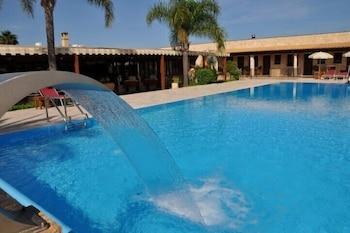호텔 마세리아 레 파야레(Hotel Masseria Resort Le Pajare) Hotel Image 114 - Outdoor Pool