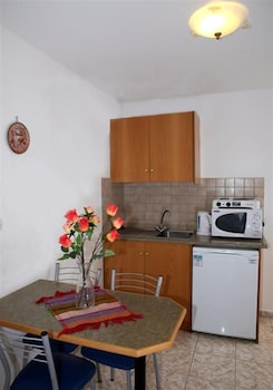 아스피로 스피티(Aspro Spiti) Hotel Image 18 - In-Room Kitchenette