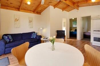 아마루 홀리데이 파크(Amaroo Holiday Park) Hotel Image 39 - Living Room
