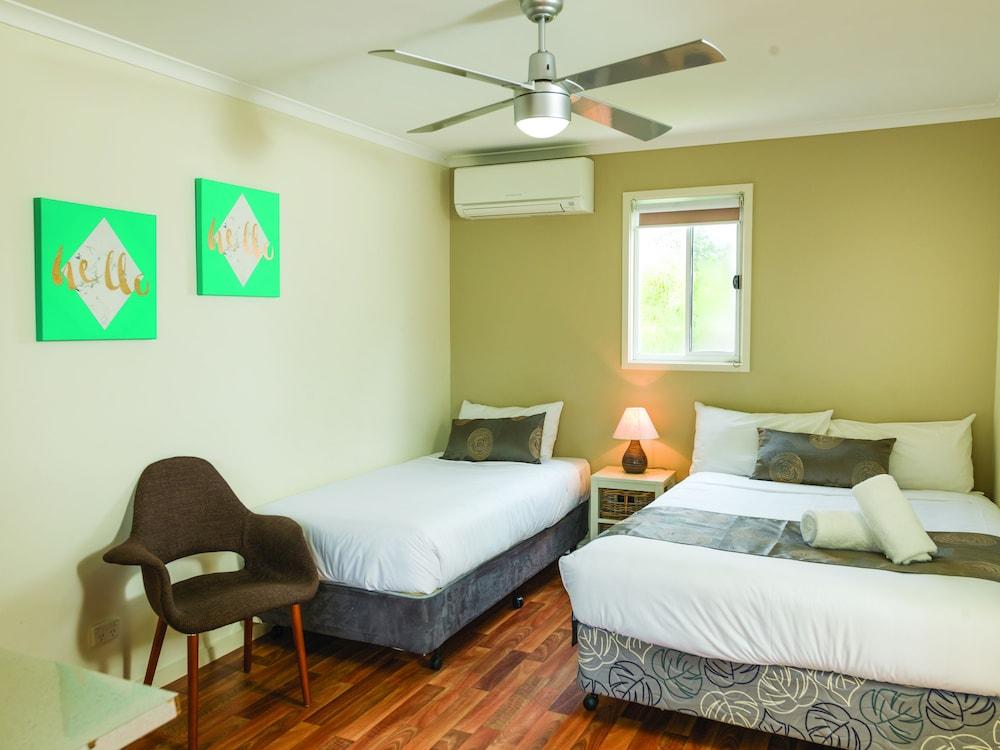 아마루 홀리데이 파크(Amaroo Holiday Park) Hotel Image 21 - Guestroom