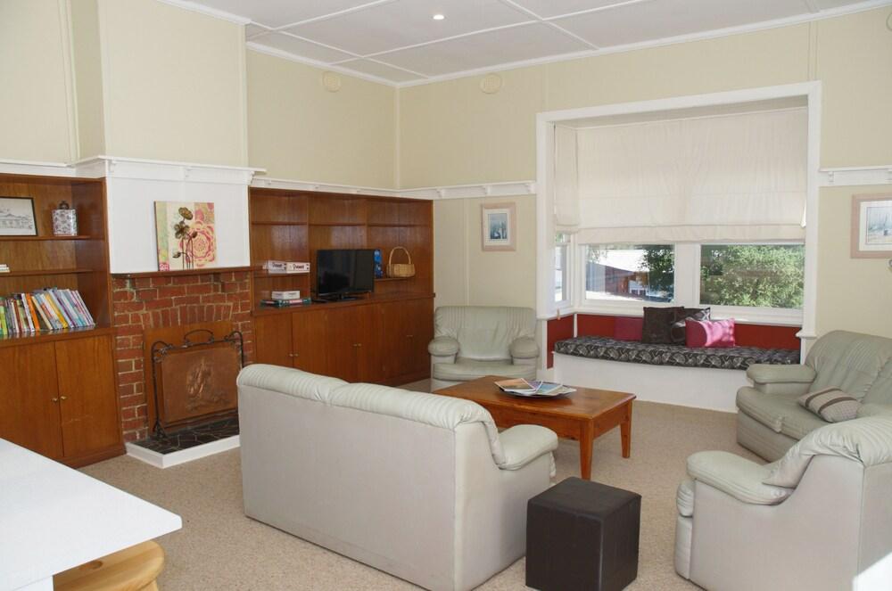 아마루 홀리데이 파크(Amaroo Holiday Park) Hotel Image 42 - Living Room