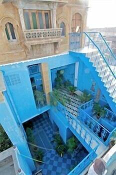 블루 하우스, 올디스트 게스트 하우스(The Blue House, Oldest Guest House) Hotel Image 53 - Courtyard