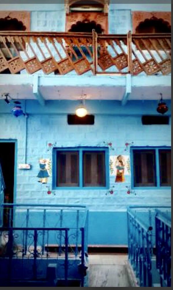 블루 하우스, 올디스트 게스트 하우스(The Blue House, Oldest Guest House) Hotel Image 40 - Hotel Interior