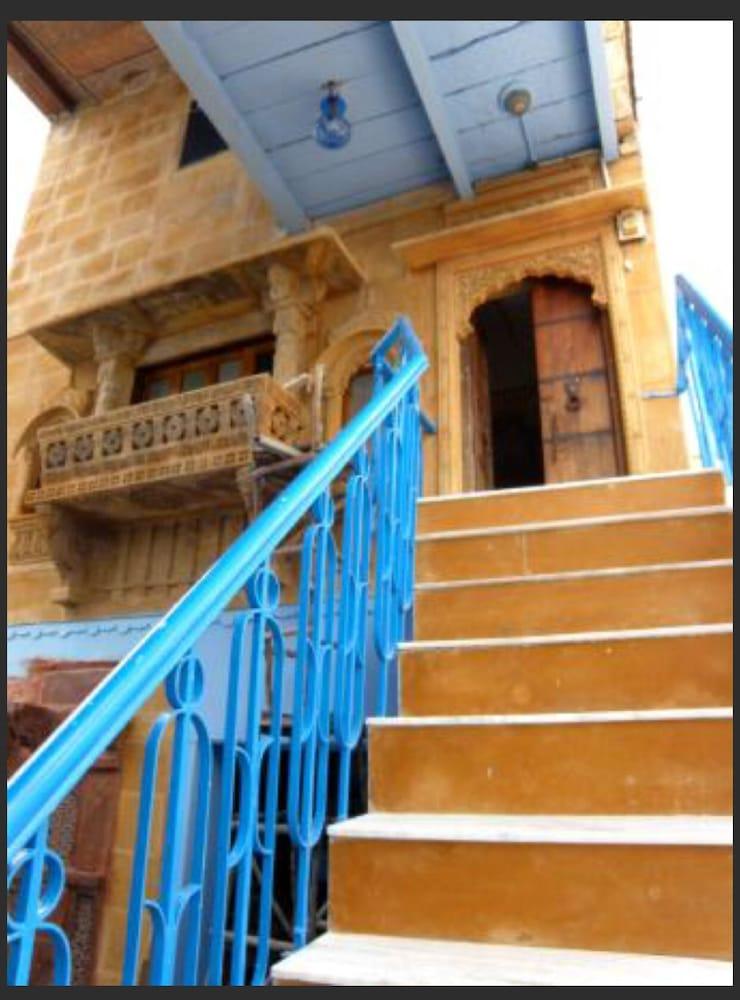 블루 하우스, 올디스트 게스트 하우스(The Blue House, Oldest Guest House) Hotel Image 42 - Hotel Interior