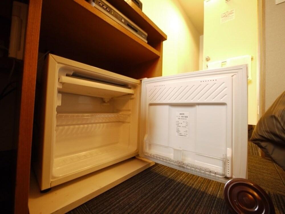 호텔 루트 인 기타미 오도리 니시(Hotel Route-Inn Kitami Odori Nishi) Hotel Image 12 - Mini-Refrigerator