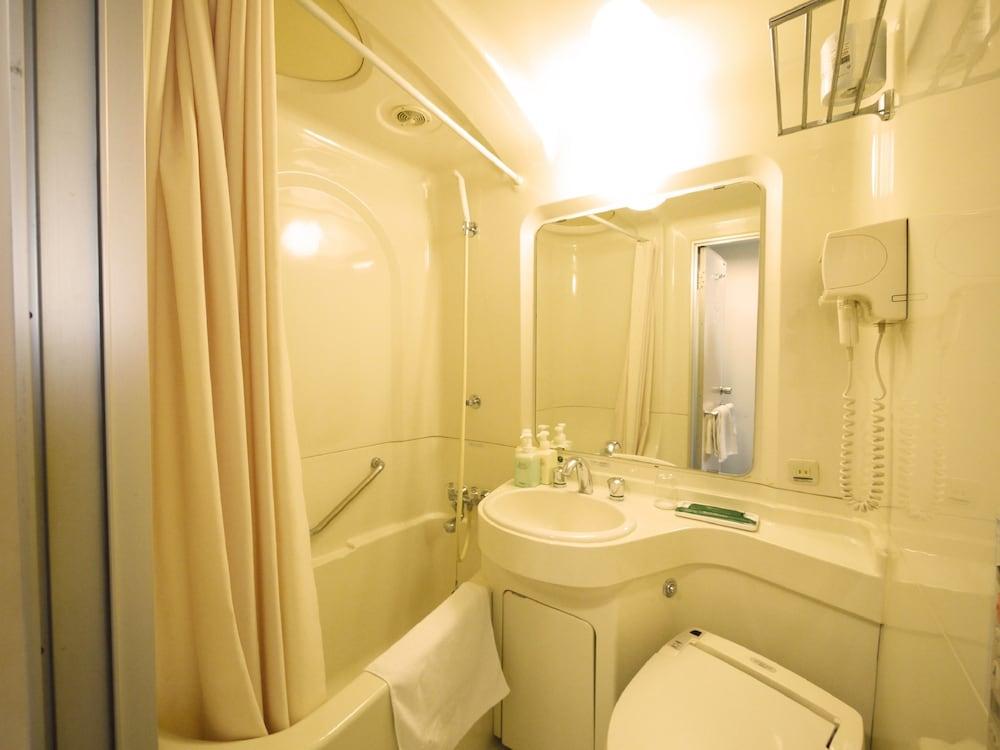 호텔 루트 인 오야마(Hotel Route-Inn Oyama) Hotel Image 12 - Bathroom