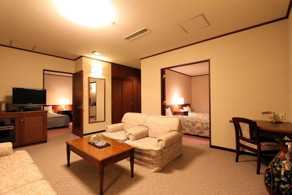도카치-마쿠베츠 그랜드브리오 호텔 - 루트-인 호텔 -(Tokachi-Makubetsu Grandvrio Hotel - ROUTE-INN HOTELS -) Hotel Image 8 - Living Area