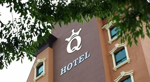 __{offers.Best_flights}__ Q Hotel