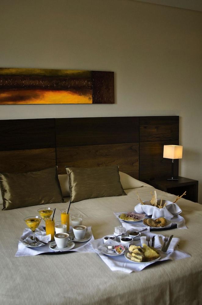 푸엔테 마요르 호텔 앤드 리조트(Fuente Mayor Hotel And Resort) Hotel Image 2 - Guestroom