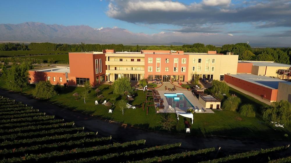 푸엔테 마요르 호텔 앤드 리조트(Fuente Mayor Hotel And Resort) Hotel Image 0 - Featured Image