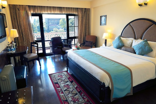 . Country Inn & Suites by Radisson, Mussoorie