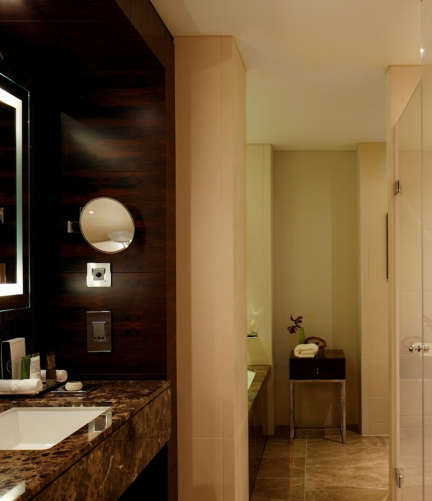 콘라드 런던 스트리트 제임스(Conrad London St. James) Hotel Image 36 - Bathroom