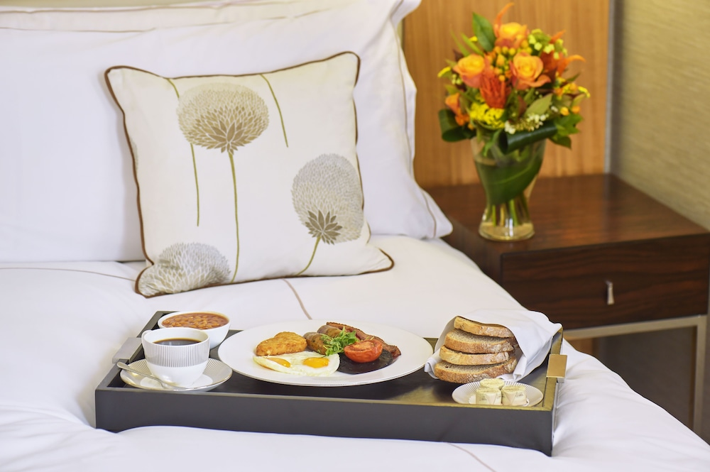 콘라드 런던 스트리트 제임스(Conrad London St. James) Hotel Image 63 - Breakfast Meal